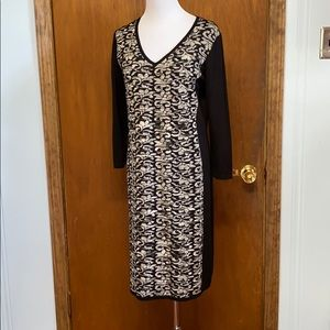 Black v-neck dress w/ grey/white pattern on front